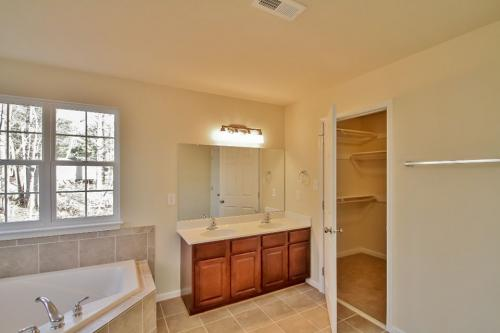 Caliber Home Builder, The Roberson II, Master Bath