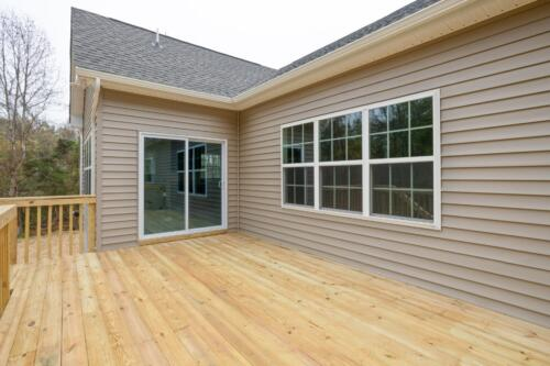 Caliber Homebuilder, Flint Ridge II, back deck