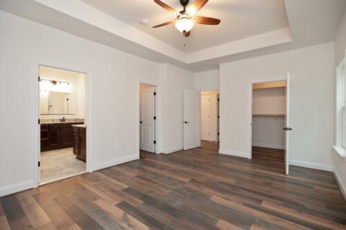 Caliber Homebuilder, Flint Ridge II, owners bedroom