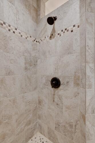 Caliber Homebuilder, Flint Ridge II, owners shower