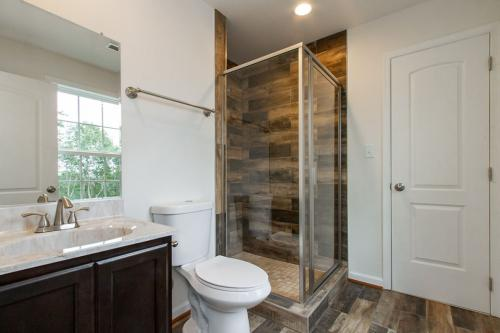 Caliber Home Builder, Mount Airy, Bathroom