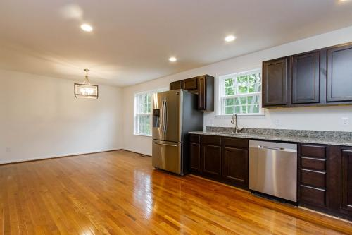 Caliber Home Builder, Mount Airy, Kitchen