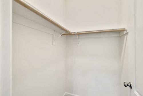 Caliber Home Builder, The Northport 2, Closet