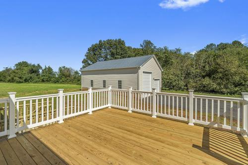 Caliber Home Builder, The Northport 2, Exterior Deck