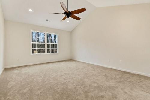 Caliber Home Builder, The Robertson, Bedroom