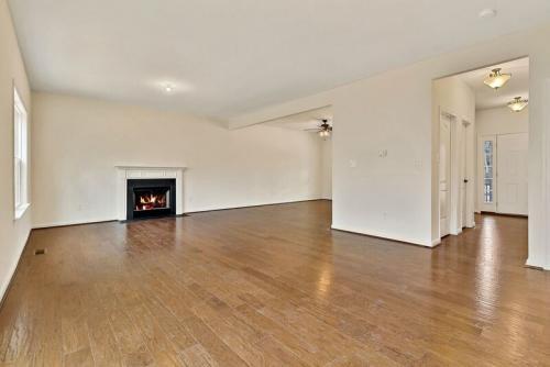 Caliber Home Builder, The Robertson, Living Area
